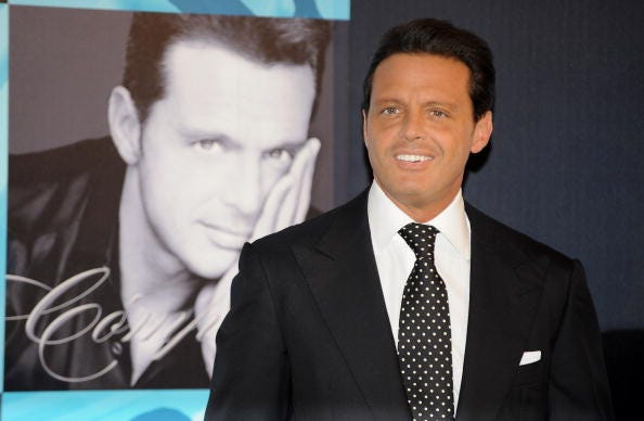 "Mexican singer Luis Miguel attends the photocall to promotes his new album ""Complices"" on May 09, 2008 at the Palace Hotel in Madrid, Spain."