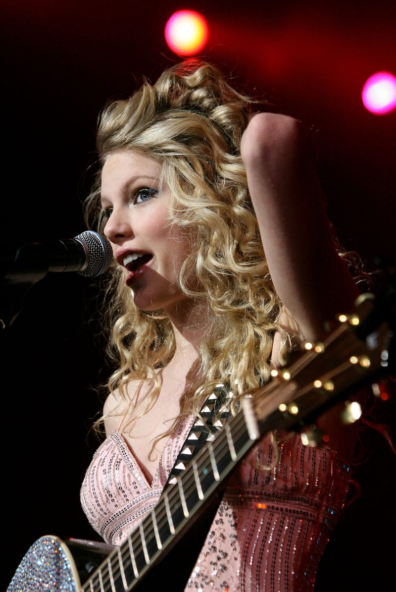 Taylor Swift, B101 Philly, Philadelphia, Featured Artist, Party for a Cause