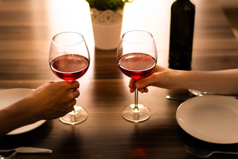 Date, Wine, Glasses