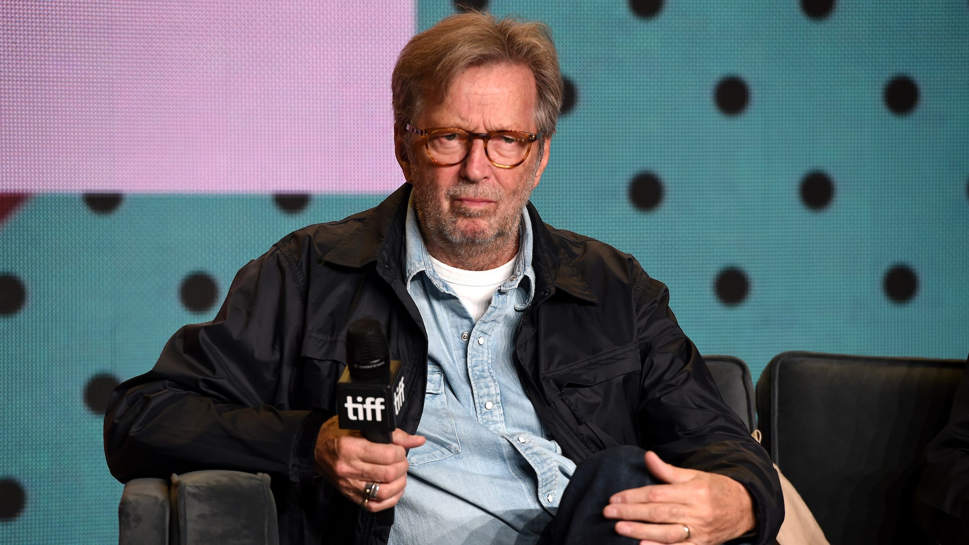 Eric Clapton will not play shows where a vaccination is required