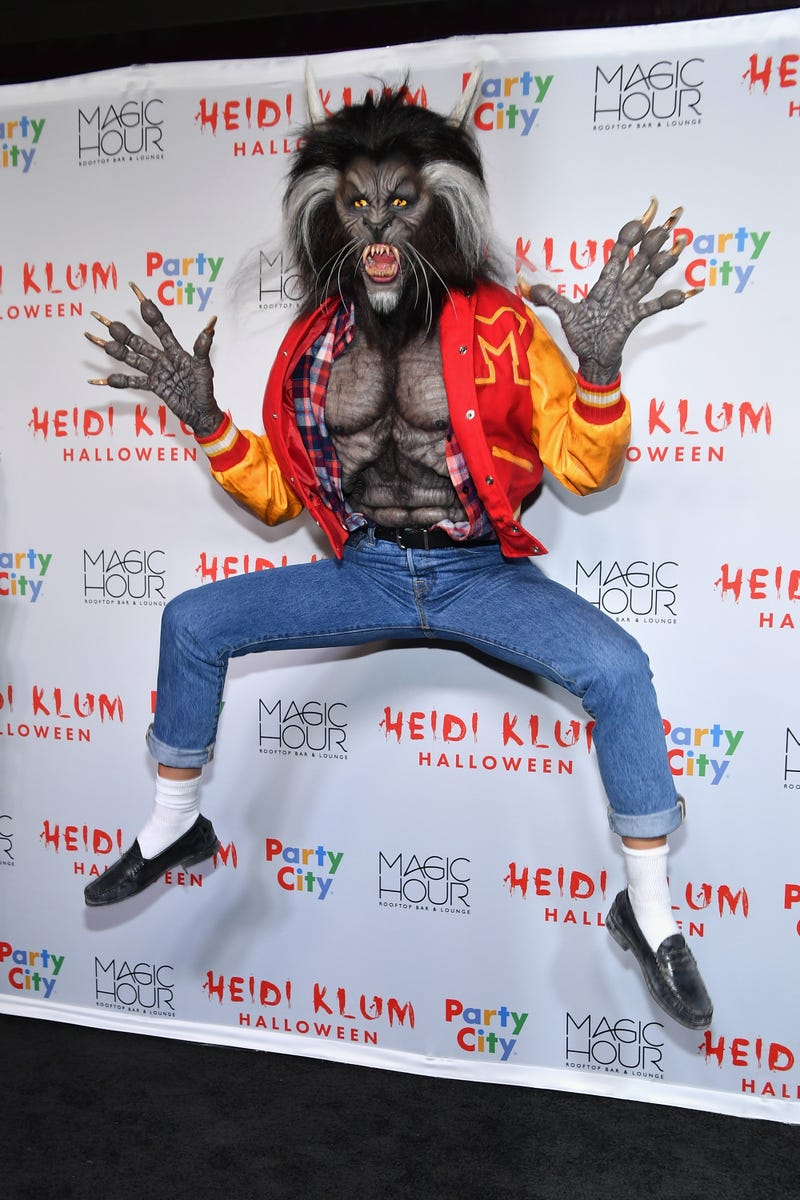 heidi klum as michael jackson from thriller for halloween