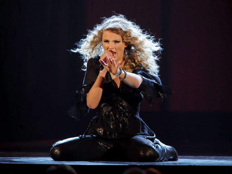 Taylor Swift, B101 Philly, Featured Artist, CMA Awards, Philadelphia