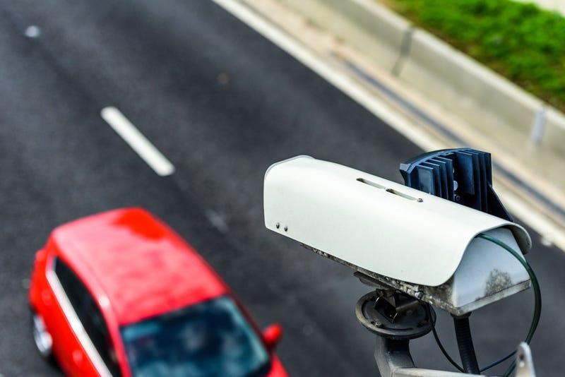 camera monitoring traffic