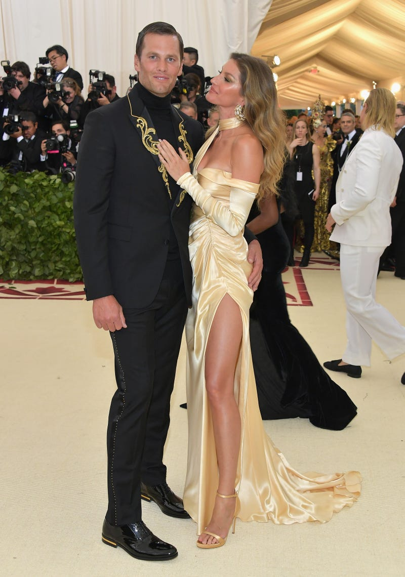 tom brady and gisele bundchen at heavenly bodies gala at the met in 2018