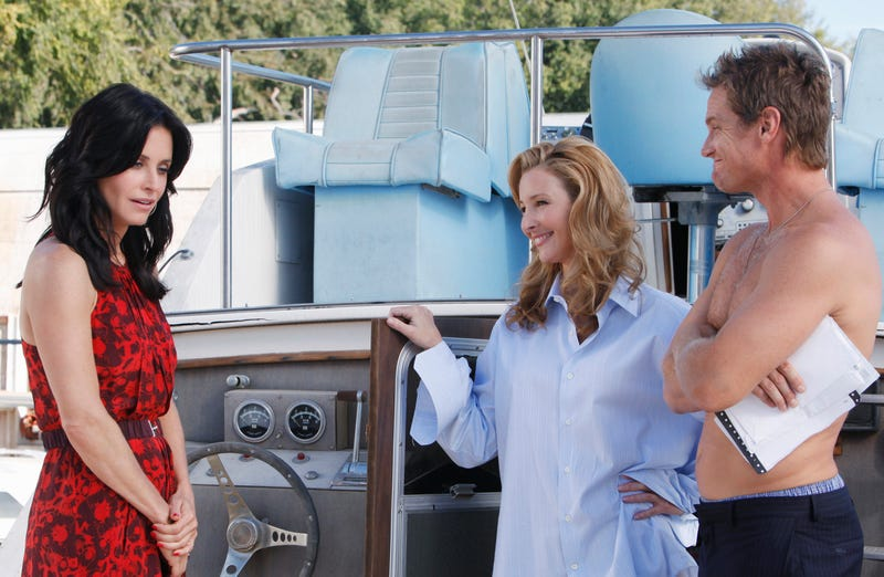 courteney cox, lisa kudrow and dominic west on cougar town