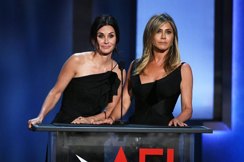 courteney cox and jennifer aniston at the american film institute's gala for george clooney june 2018