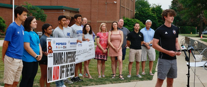 West Suburban charity honored for helping students who lost parent