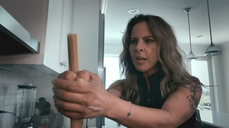 "Kate del Castillo en ""The At-Home Variety Show"" de Peacock"