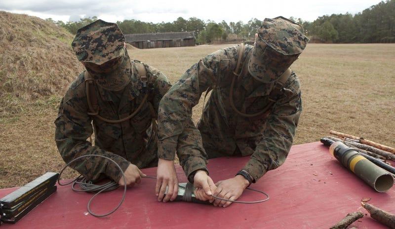 Marines train with C4