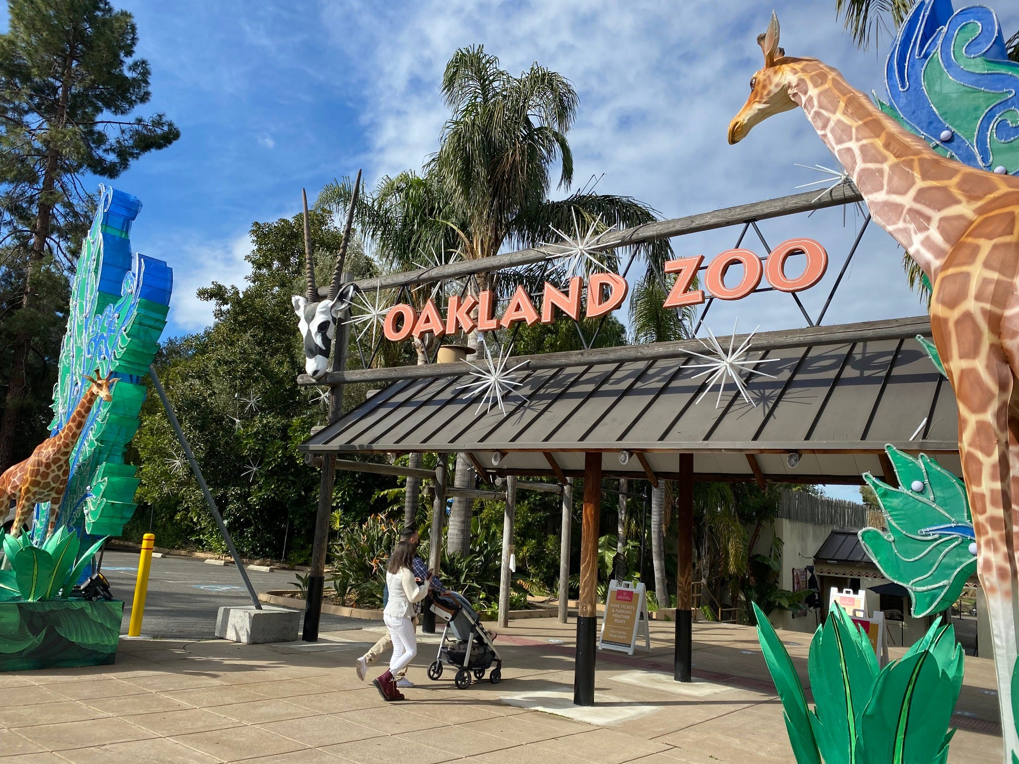 Oakland Zoo reopens to sold-out crowd
