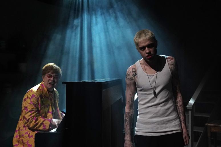 """Bowen Yang as Elton John and Pete Davidson as Stu during the """"Stu"""" sketch on Saturday, December 5, 2020"""