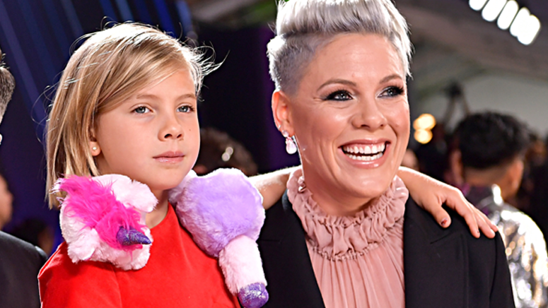 Hear Pink's super sweet first duet with 9-year-olddaughter Willow
