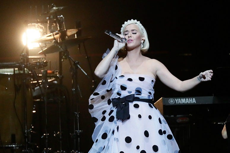 """Katy Perry performs at the David Lynch Foundation's """"Silence the Violence"""" benefit"""