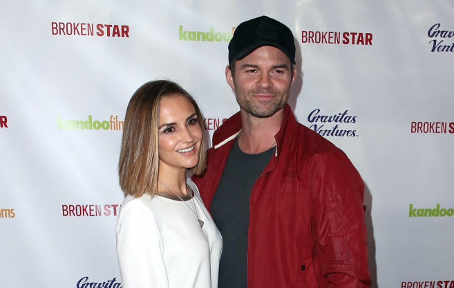 "Rachael Leigh Cook  and actor Daniel Gillies attend the pemiere of Gravitas Ventures' ""Broken Star"""