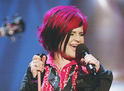 Kelly Osbourne singing