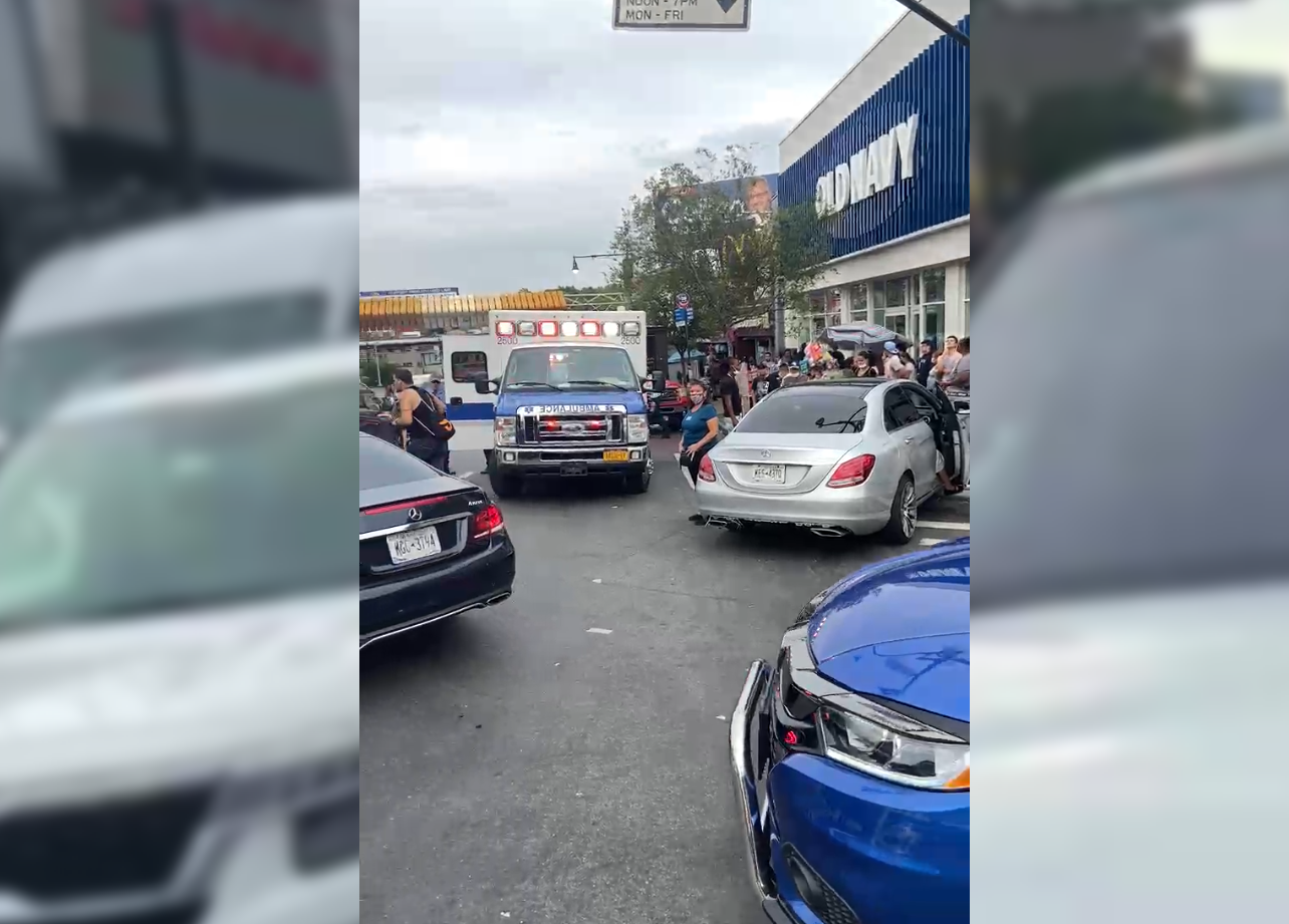 VIDEO: Driver fleeing traffic stop crashes into cars, mounts sidewalk in the Bronx; 14 hurt