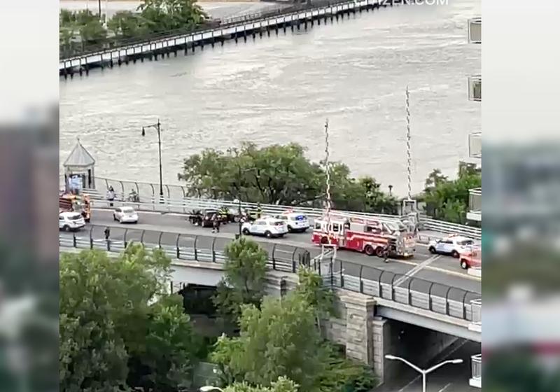 Gun tossed into Harlem River