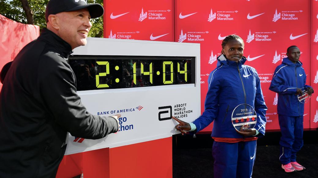Full steam ahead for downsized Chicago marathon, organizer says