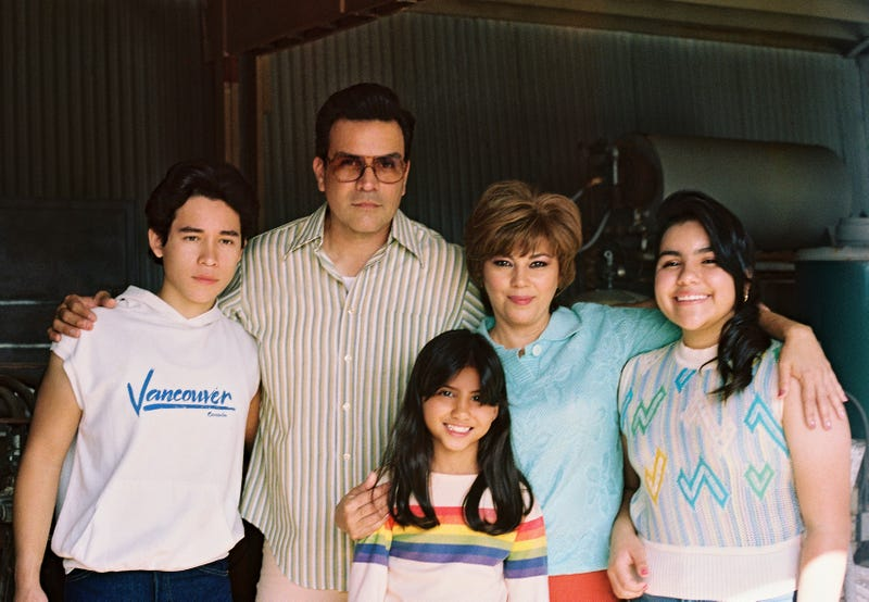 SELENA THE SERIES (L to R) JUAN MARTINEZ as YOUNG A.B QUINTANILLA and RICARDO CHAVIRA as ABRAHAM QUINTANILLA and MADISON TAYLOR BAEZ as YOUNG SELENA QUINTANILLA and SEIDY LOPEZ as MARCELLA QUINTANILLA and DANIELA ESTRADA as YOUNG SUZETTE QUINTANILLA in SELENA THE SERIES