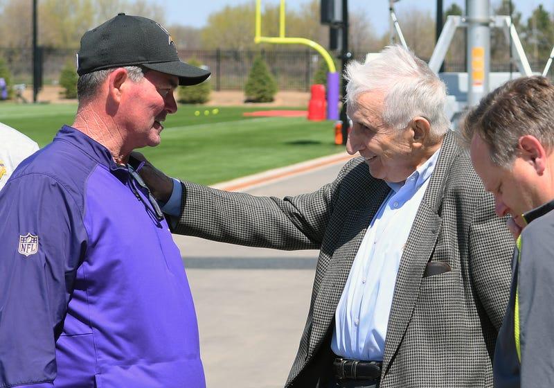 Sid Hartman with Vikings Head Coach Mike Zimmer