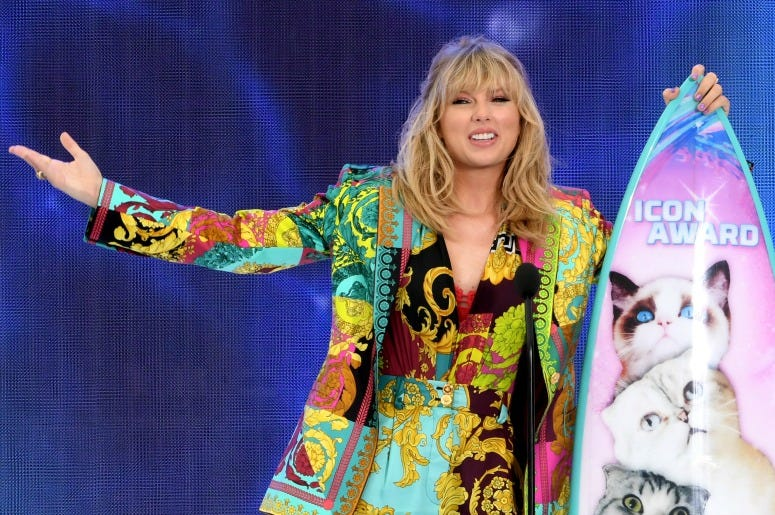 Taylor Swift accepts the Teen Choice Icon Award onstage during Fox's Teen Choice Awards at the Hermosa Beach Pier on August 11, 2019 .