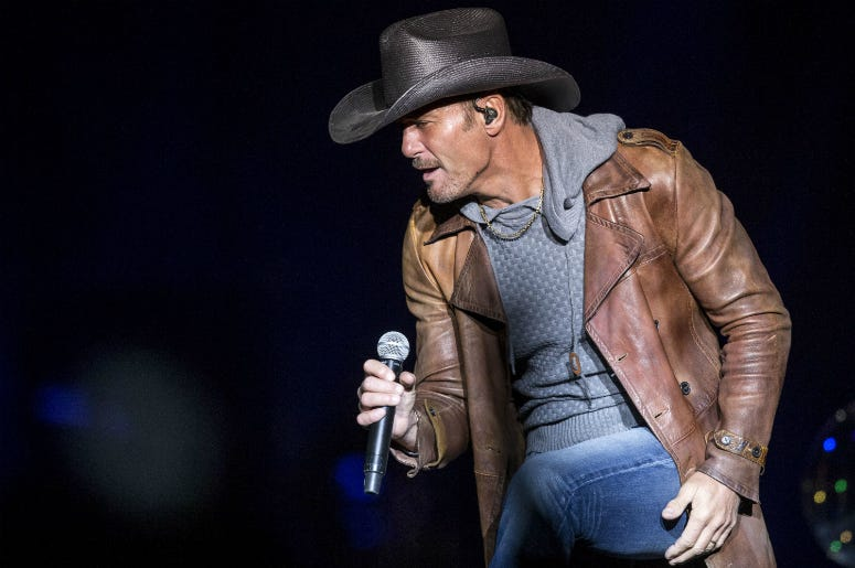 Tim McGraw performs at Country Thunder Arizona