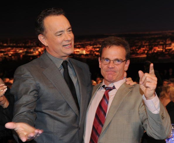 Tom Hanks, Peter Scolari