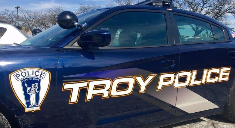 17-year-old charged after pointing pellet gun in Troy road rage incident: police