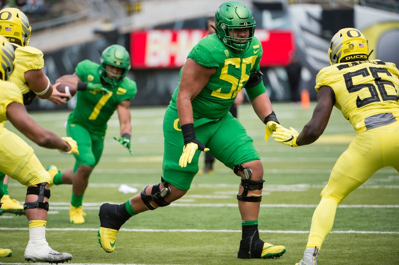 Oregon offensive tackle Penei Sewell on the field.