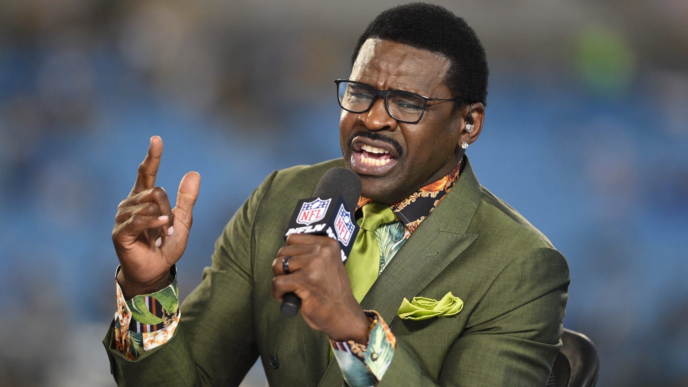 Former Cowboys WR Michael Irvin clarifies his Covid-19 vaccine comments