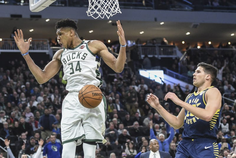 Giannis dunking vs Pacers