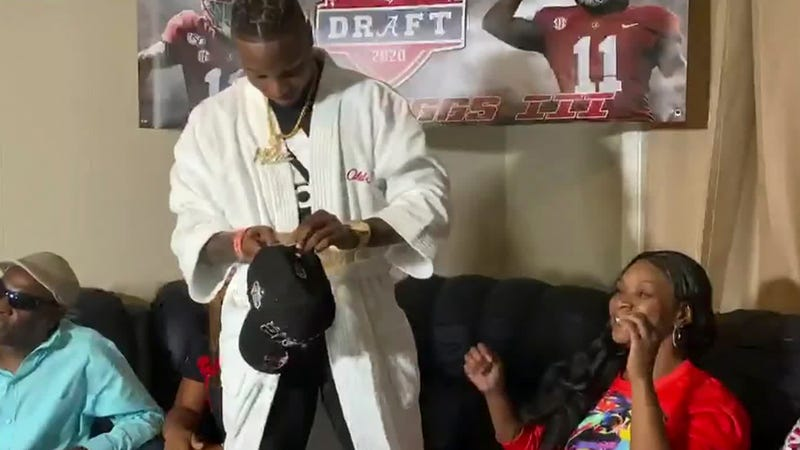 Henry Ruggs rocking the robe look for the 2020 NFL Draft