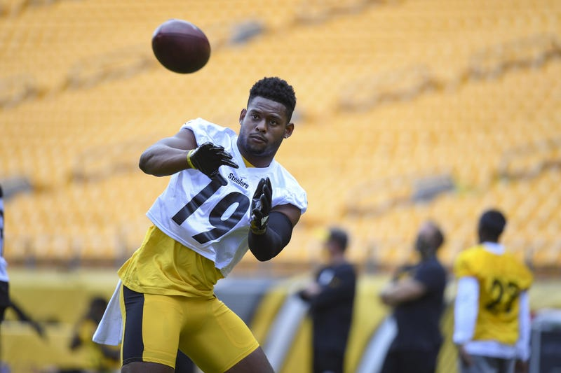 Pittsburgh Steelers wide receiver JuJu Smith-Schuster (19) trains at Heinz Field during the Steelers 2020 Training Camp, Tuesday, Aug. 4, 2020 in Pittsburgh, PA.