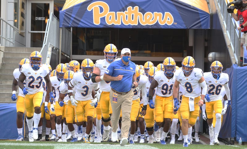 Pitt runs out of the tunnel
