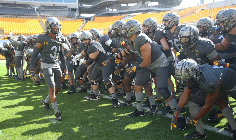 Pittsburgh, Pennsylvania, USA; Pittsburgh Panthers defensive back Damar Hamlin (3) fires up his teammates