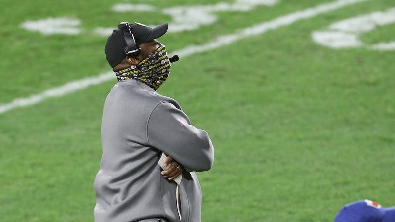 Mike Tomlin with mask on