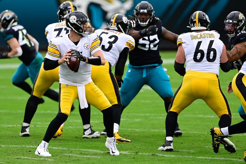 Roethlisberger behind the offensive line