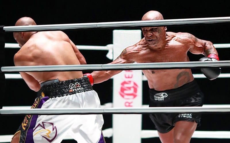 Mike Tyson / Roy Jones