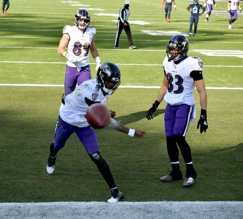 Lamar Jackson celebrates a 48-yard TD run during the Ravens 20-13 victory over the Titans.