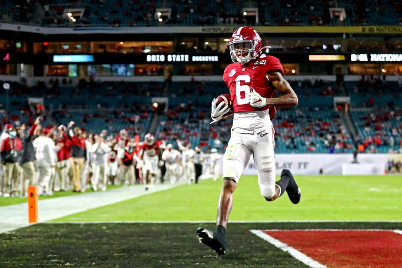 Alabama WR DeVonta Smith shines in CFP National Championship Game