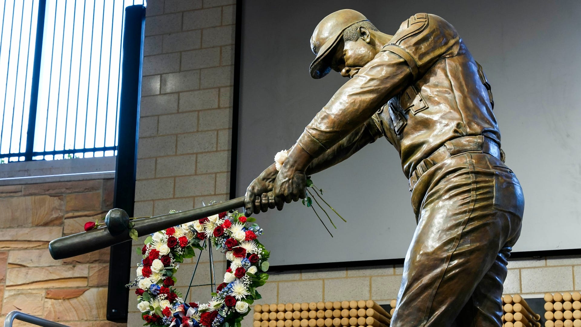 Braves legend Hank Aaron's death leads to suggestions of renaming team, stadium in his honor