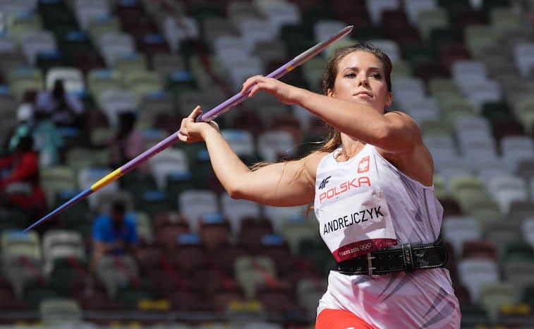 Maria Andrejczyk javelin throw