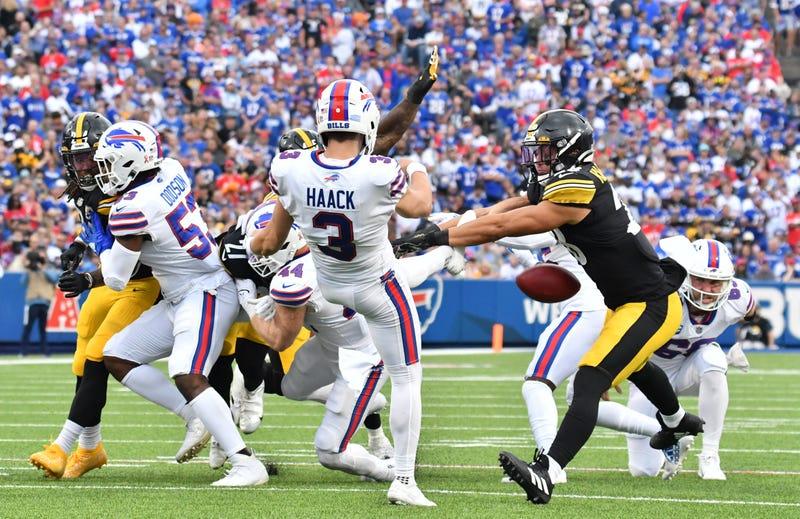 Miles Killebrew blocks Bills punt