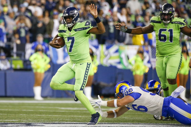 Geno Smith running with Seahawks