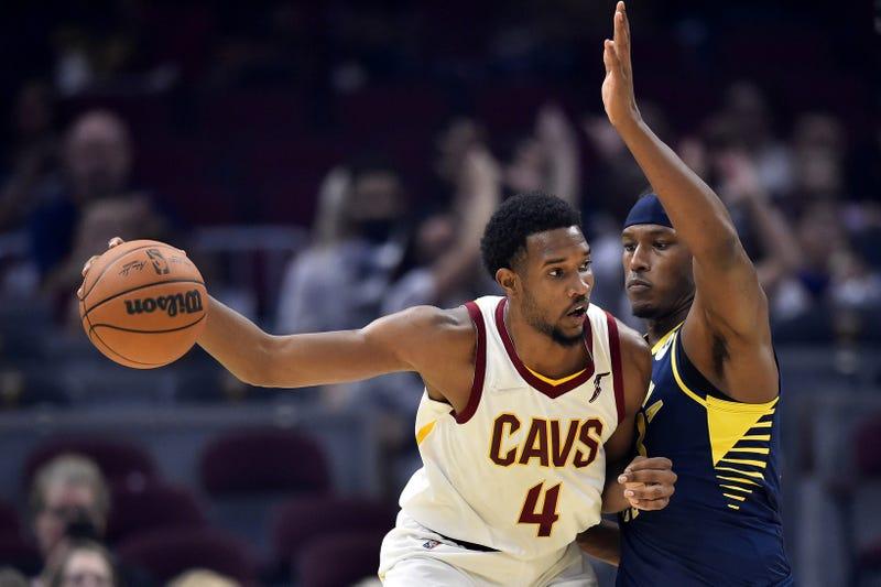 Cleveland Cavaliers center Evan Mobley (4)