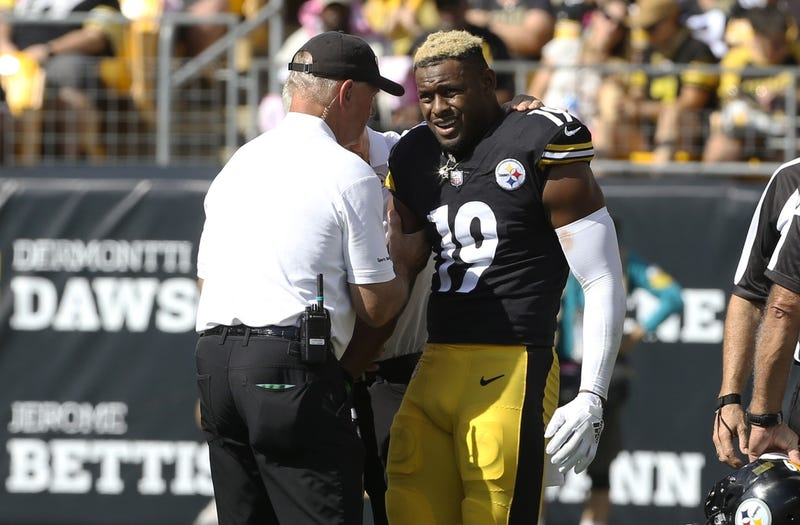 JuJu Smith-Schuster gets looked at