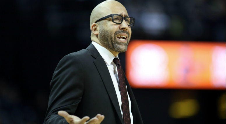 David Fizdale reacts to a call in the game against the Memphis Grizzlies at FedExForum.