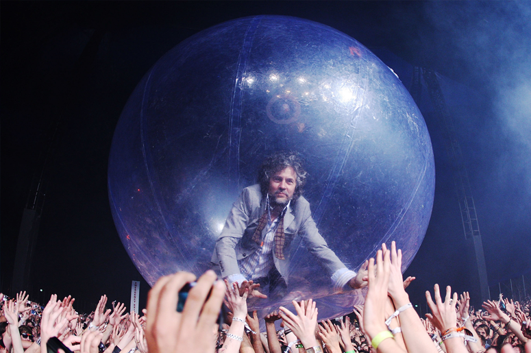 Wayne Coyne of The Flaming Lips performs on stage during the Splendour in the Grass festival at Belongil Fields on July 26, 2009 in Byron Bay, Australia