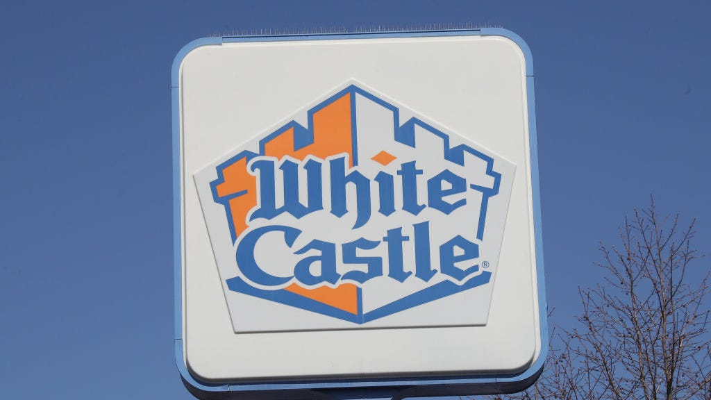 Hundreds stand in line as world's largest White Castle opens its doors in Florida