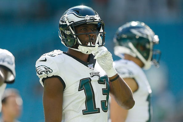 Eagles WR Nelson Agholor looks on before a play.